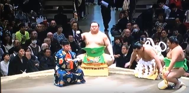日馬富士の拝礼